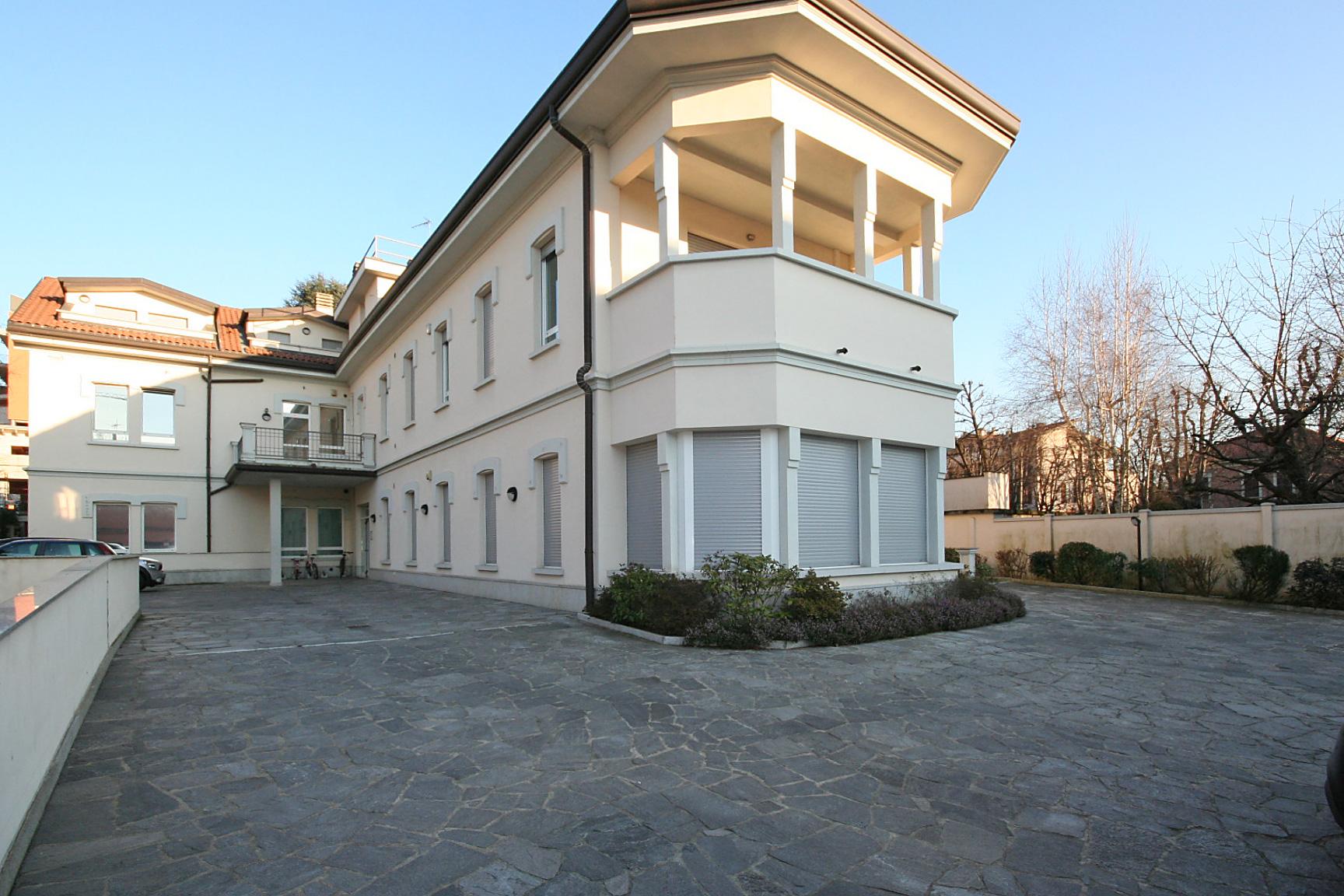 Saronno centro ufficio agenzia immobiliare saronno sigis for Centro ufficio